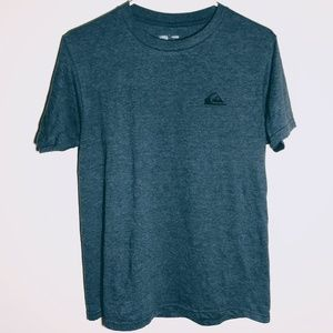Quiksilver Mens Tee is NWOT!